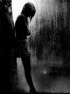 6108593-girl-alone-in-rain