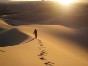 alone-in-the-desert-300x225_300_225_90